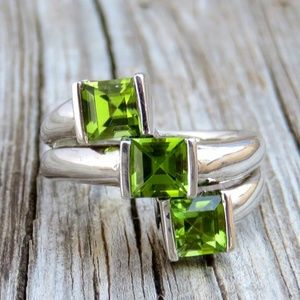 Vintage Sterling Silver Natural Peridot Ring